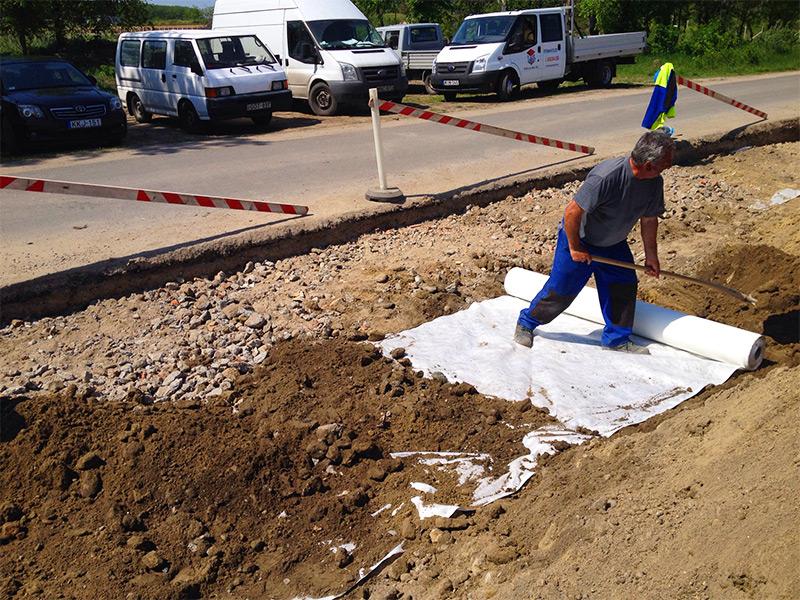 Üzemi közmű építés útépítés