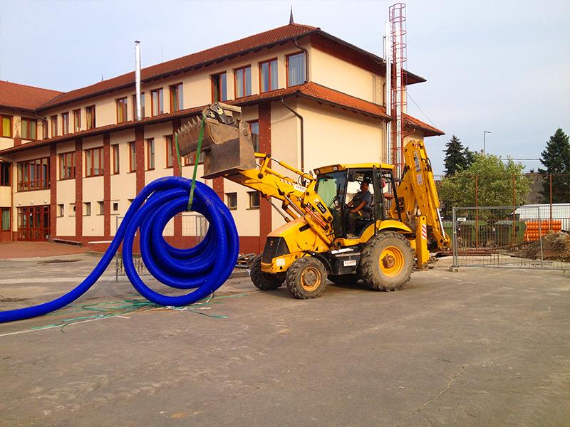 Csatorna kiépítés távhő ellátás felújítása